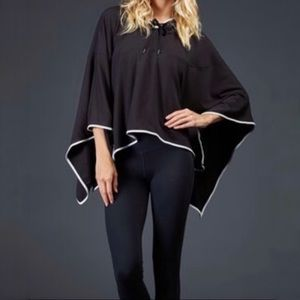Zobha activewear hunter french terry black cape